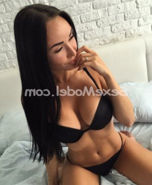 Lauren escorte girl wannonce à Arradon 56